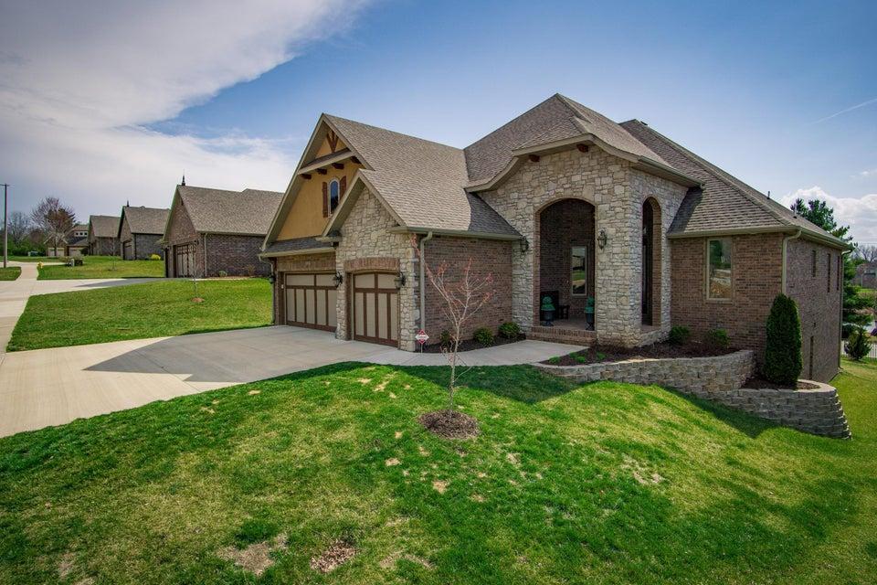 2956 South Ranch Drive Springfield, MO 65809