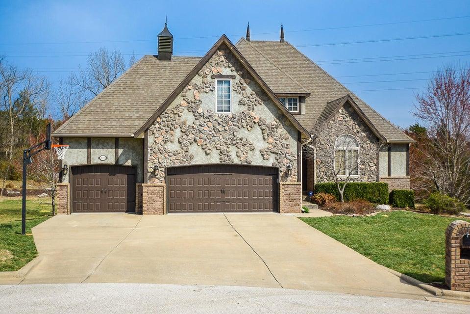 1639 East Oak Creek Street Springfield, MO 65804
