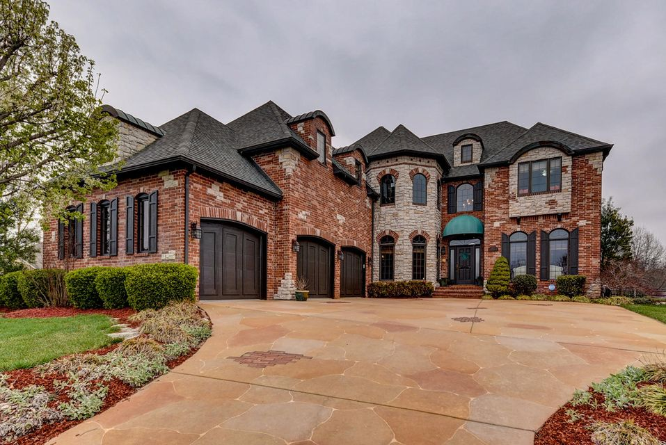 3217 West Shimmerstone Court Springfield, MO 65810