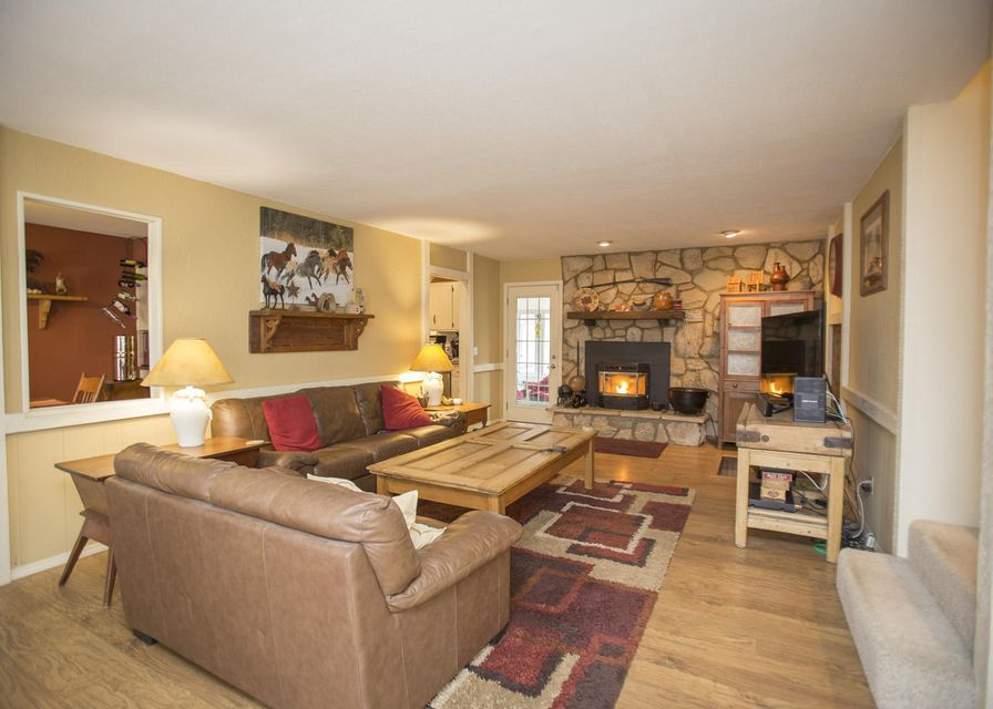 Living Room Furniture Springfield Mo Del Prado Hills In Springfield 3 Bedrooms Residential 184900
