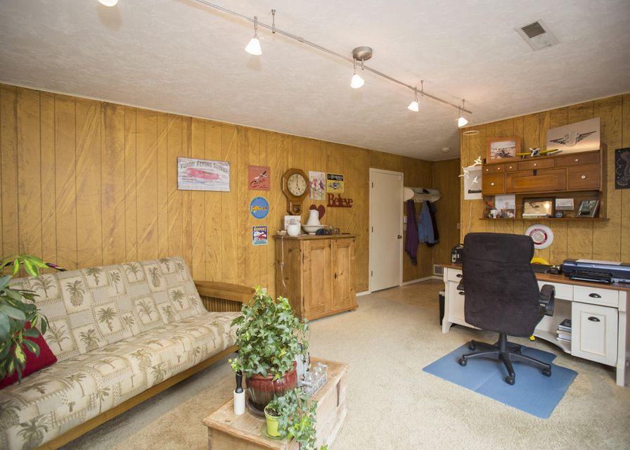 4132 South Ridgecrest Drive Springfield, MO 65807