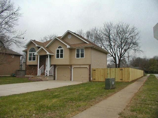 3071 South Meadowlark Avenue Springfield, MO 65807