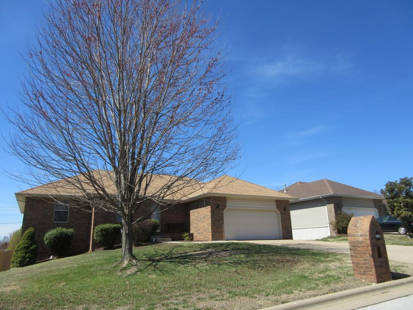 4445 South Mary Ann Avenue Springfield, MO 65810