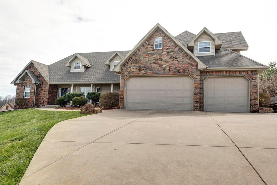 290  Whitetail Drive Walnut Shade, MO 65771