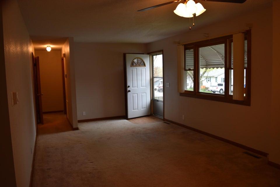 913 East South Street Bolivar, MO 65613