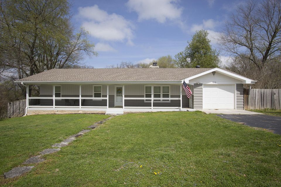 103 East Lark Street Ozark, MO 65721