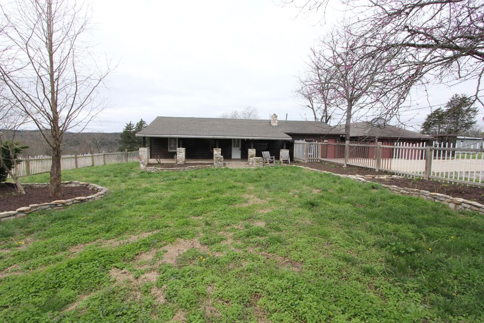 7653  State Hwy. 176 Walnut Shade, MO 65771