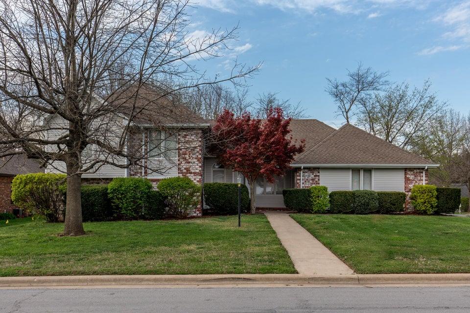 1035 West Red Oak Street Springfield, MO 65803