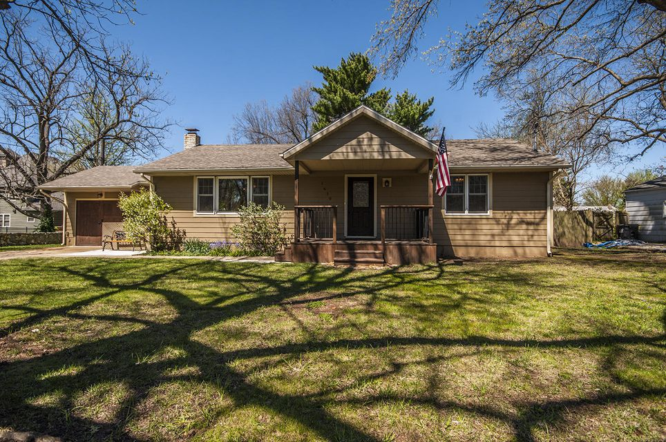 1619 East Page Street Springfield, MO 65802