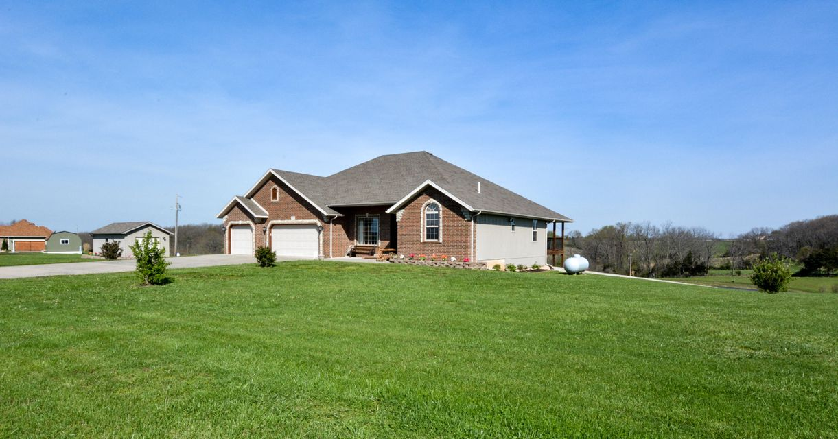 211  Ranch Estates Drive Highlandville, MO 65669