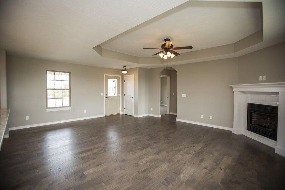 818 South Eastridge Avenue Nixa, MO 65714