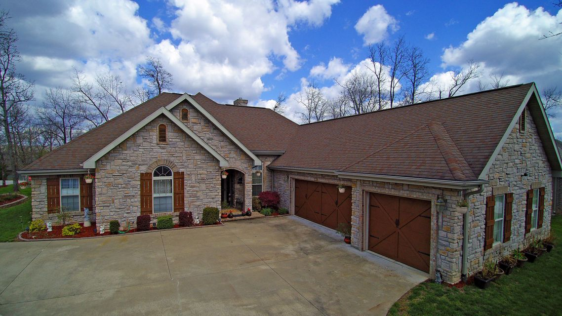 1002  Silvercrest Place Reeds Spring, MO 65737