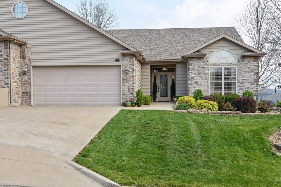 1721  Cedar Ridge Way Branson West, MO 65737