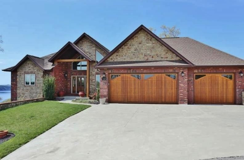 136  Pinnacle Shores Lampe, MO 65681