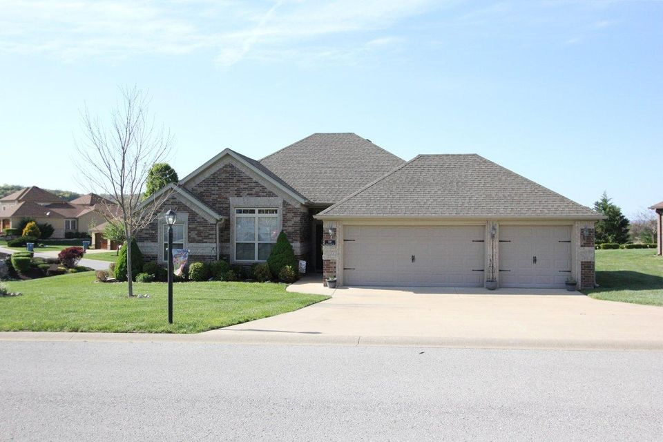 109  Stoney Pointe Drive Hollister, MO 65672