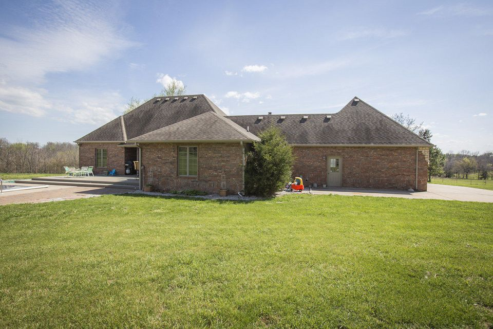 5442 Farm Road 1040