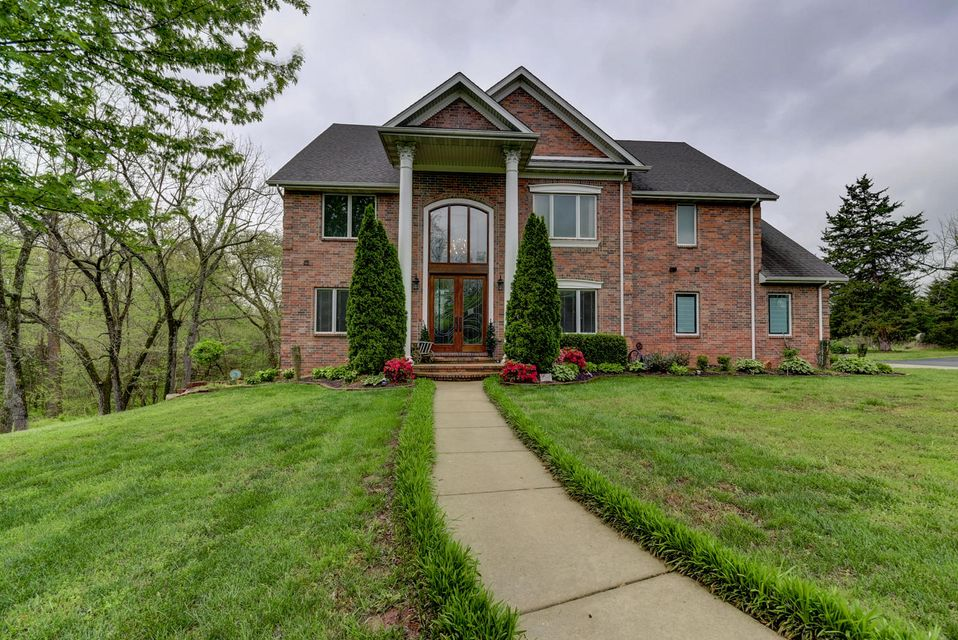 7546 North Persimmon Lane Willard, MO 65781