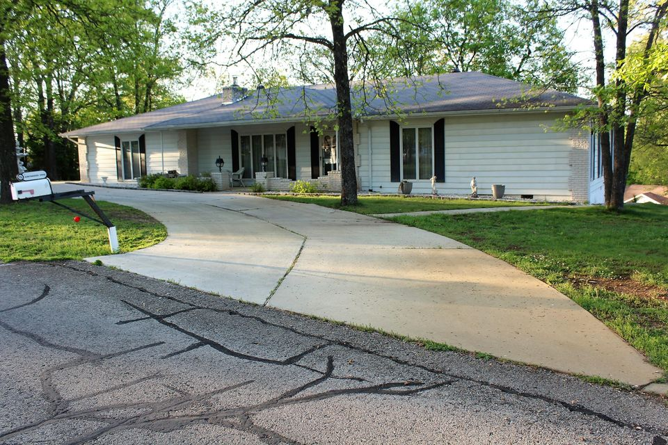 25  Northwoods Drive Kimberling City, MO 65686