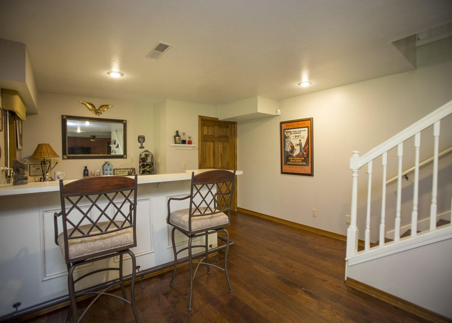 2120 East Woodhaven Place Springfield, MO 65804
