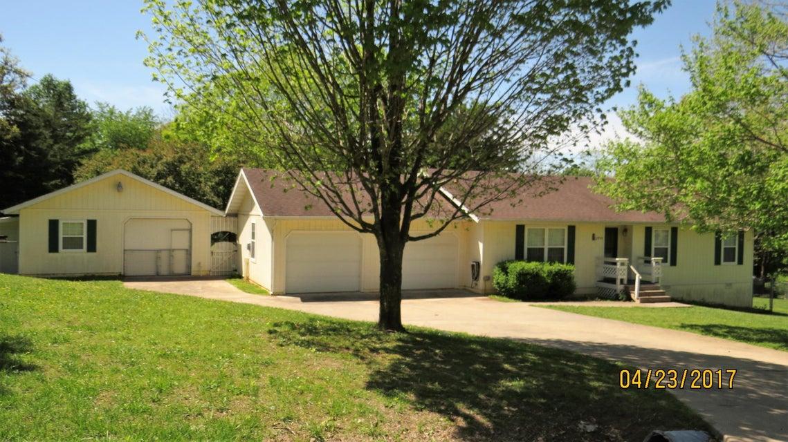 170  Glenwood Circle Cassville, MO 65625