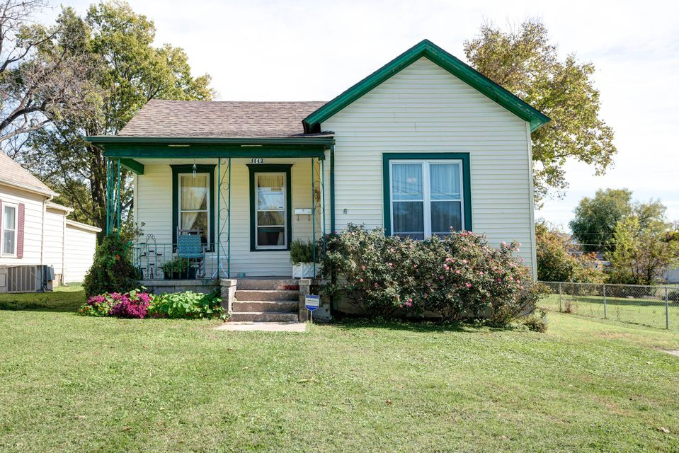 1442 North Rogers Avenue Springfield, MO 65802