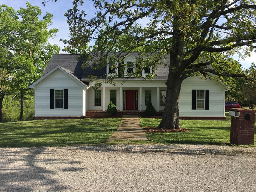 110  White Oak Circle Walnut Shade, MO 65771