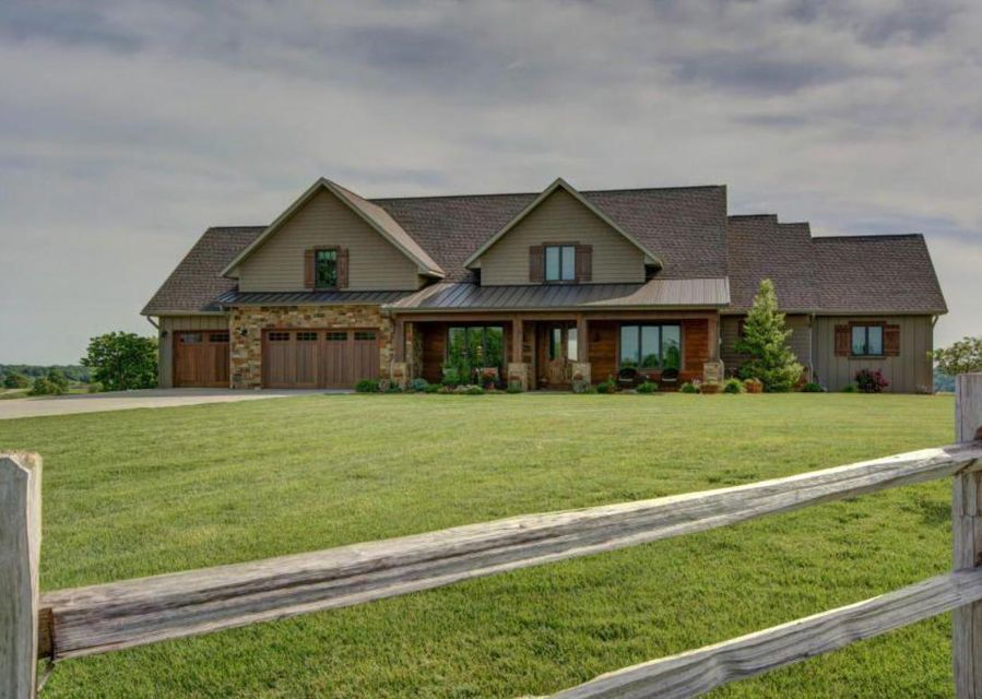 825  Legacy Farm Road Saddlebrooke, MO 65630