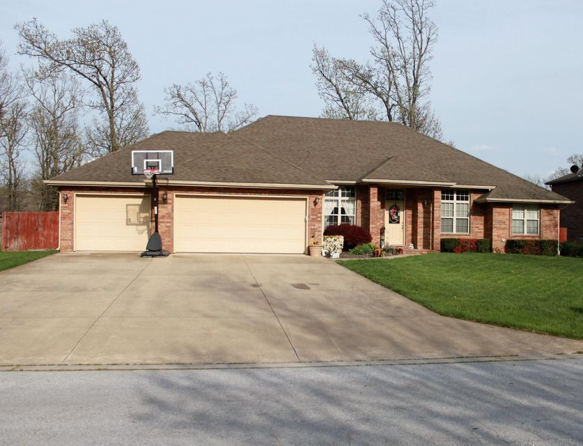 140 S Prairie Lane, Marshfield, MO 65706