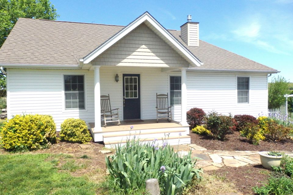443  Sparkle Brook Road Conway, MO 65632