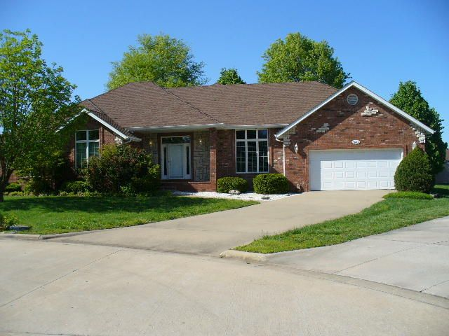 3623 West Birchwood Place Springfield, MO 65807