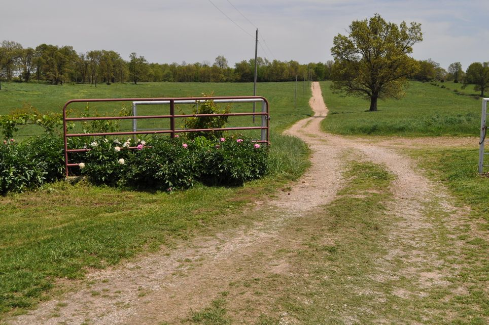 5633 Farm Road 1012