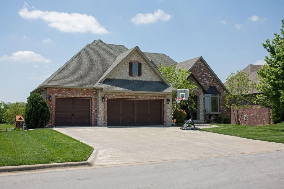 6433 South Valley Brook Court Springfield, MO 65810