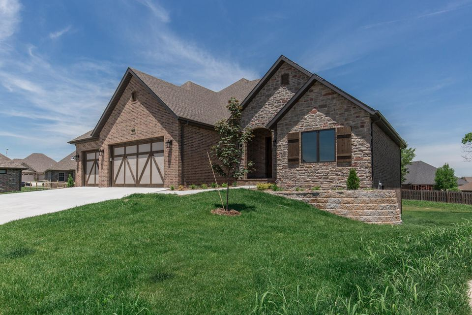 3317 East Chattanooga Court Springfield, MO 65804