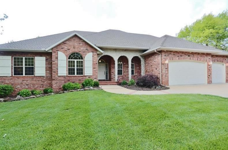222  Country Bluff Road Branson, MO 65616