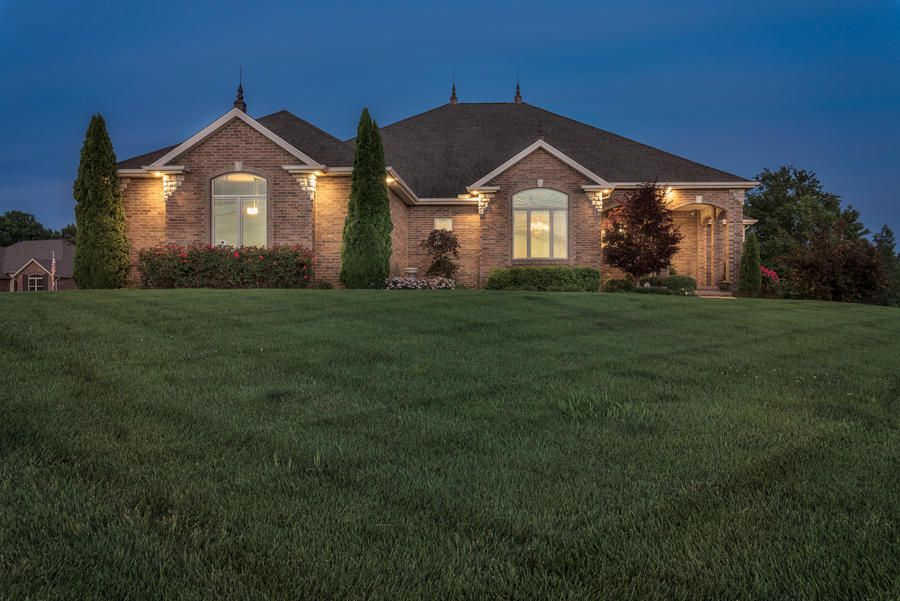 3842 W Stonehinge Drive, Springfield, MO 65807