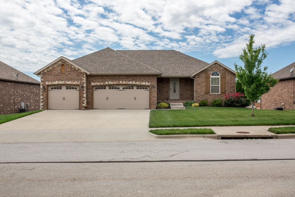 5749 South Eldon Drive Battlefield, MO 65619