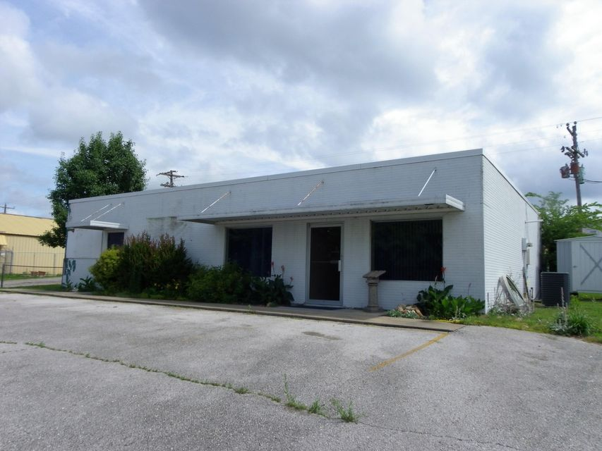 20935  Farm Road 1252 Shell Knob, MO 65747