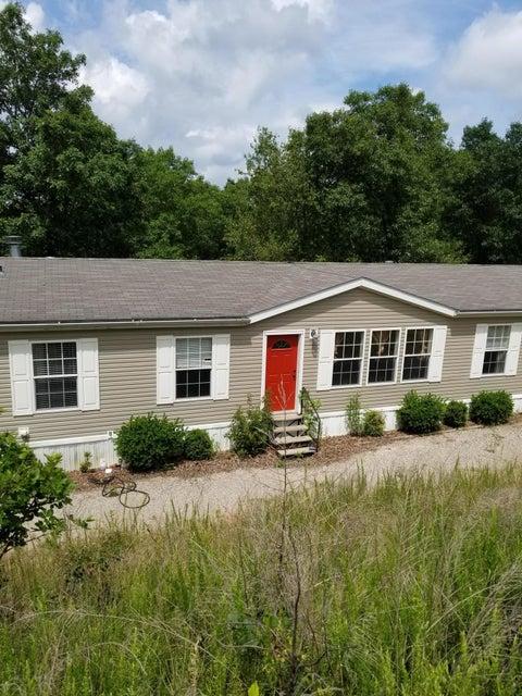 173  Oakwood Reeds Spring, MO 65737