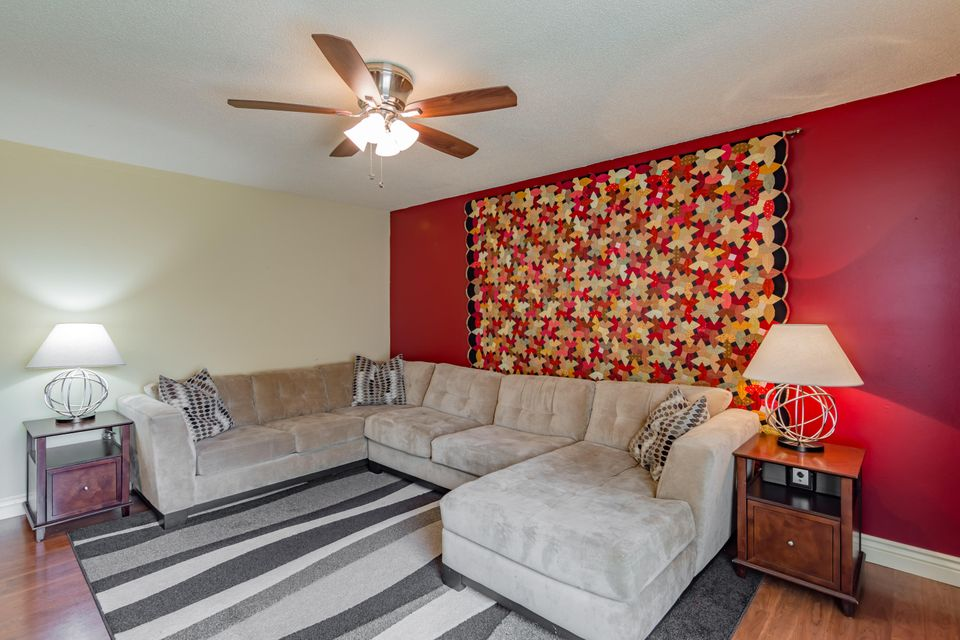 Friendly Village In Springfield  Bedrooms Residential - Bedroom furniture springfield mo