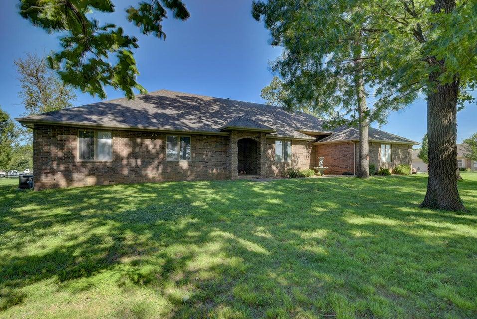 392 South Gregg Road Nixa, MO 65714