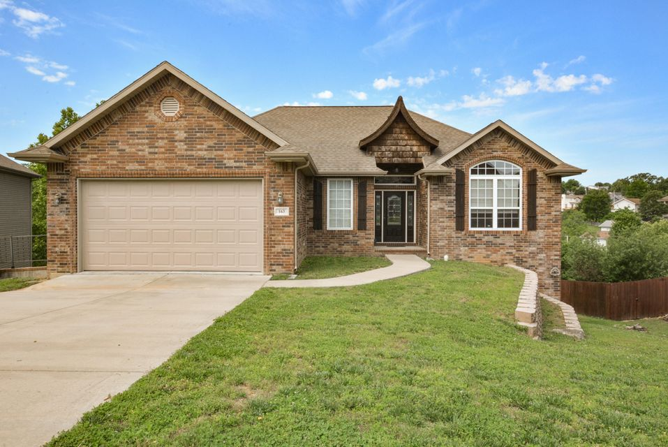 163  Oak Ridge Avenue Branson, MO 65616