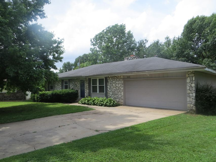 2553 S Collinson Avenue, Springfield, MO 65804