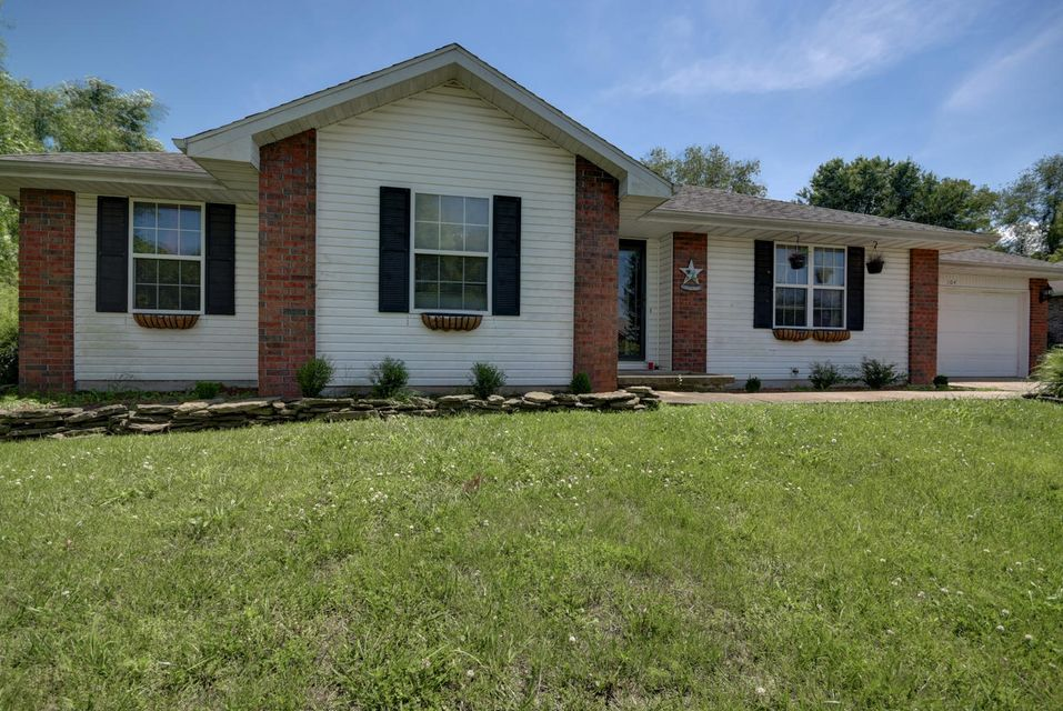 104 West Loyal Lane Clever, MO 65631