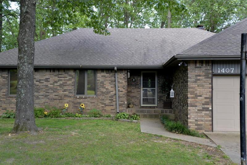1407 South Thousand Oaks Drive Nixa, MO 65714