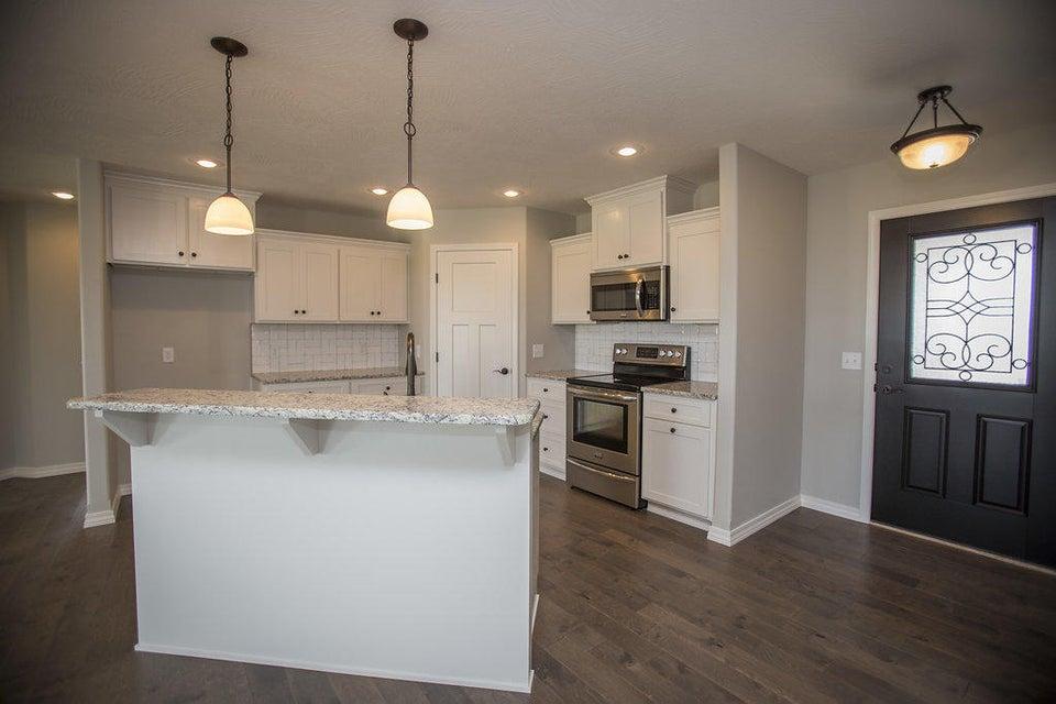 820 South Eastridge Avenue Nixa, MO 65714