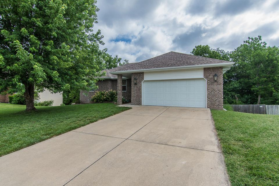 3707 West Vincent Drive Springfield, MO 65810