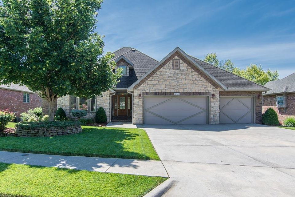 6284 South Hunters Trail Springfield, MO 65810