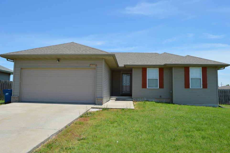 106  Cherry Avenue Clever, MO 65631