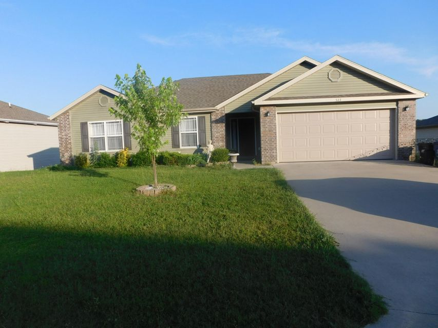 523  Amber Ave Hollister, MO 65672