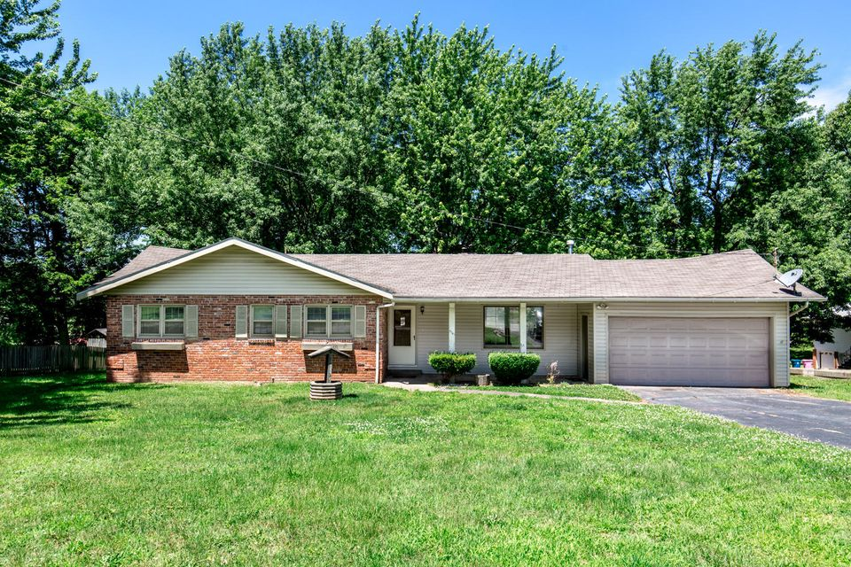 5741 South Roanoke Avenue Springfield, MO 65810